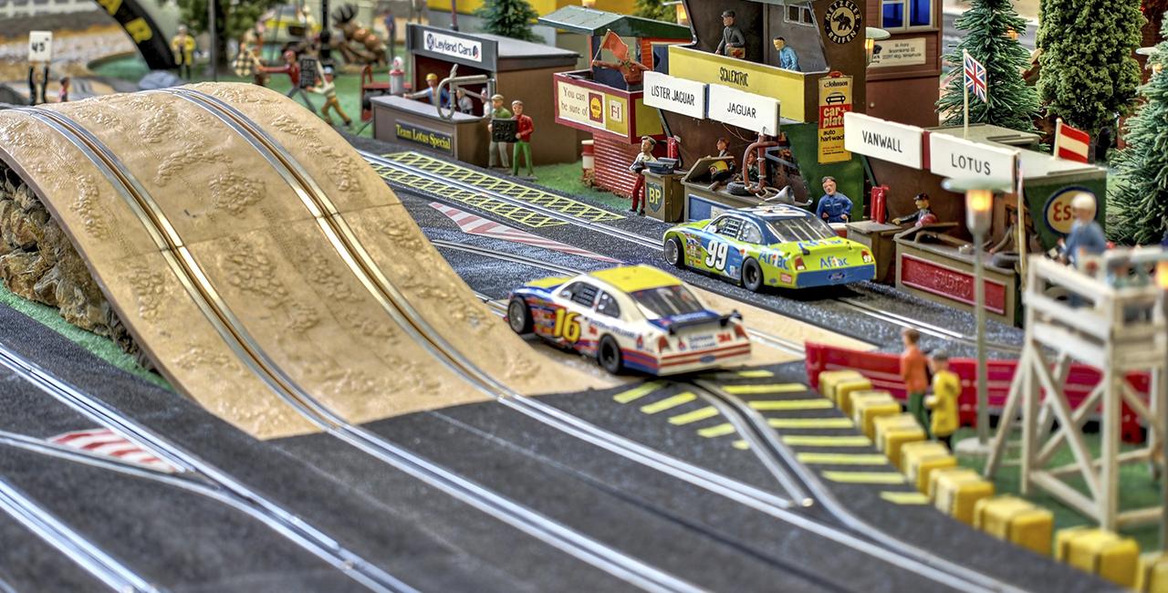 2 Std. Modellrennbahn inkl. Fahrzeug mieten Hamburg