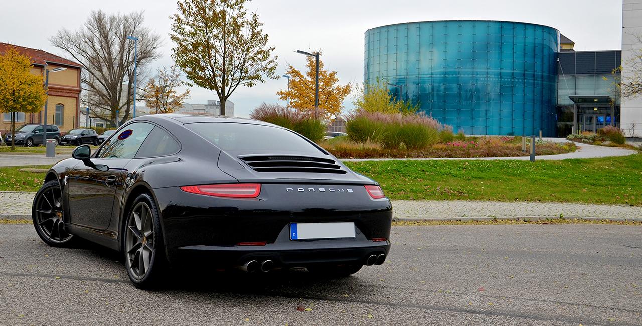 30 Minuten Porsche 911 Carrera selber fahren in München