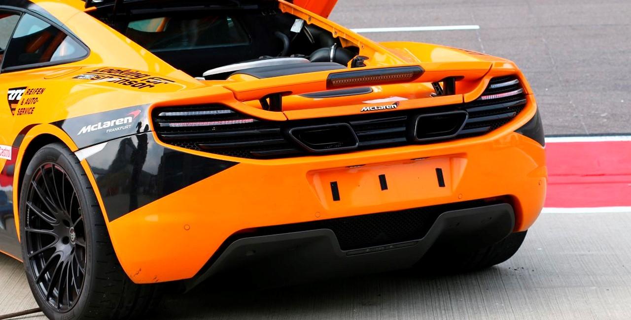 6 Runden McLaren selber fahren auf dem Spreewaldring