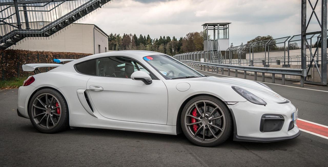 4 Runden Porsche GT4 selber fahren auf dem Circuit Zolder