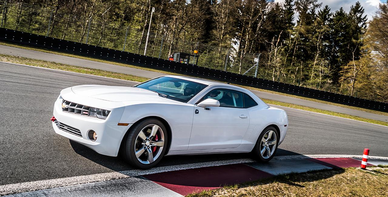8 Runden Chevrolet Camaro selber fahren auf dem Hockenheimring