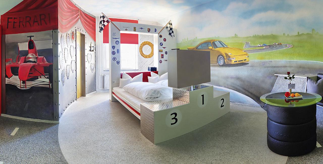 Übernachtung im Rennsportzimmer in Böblingen, Raum Stuttgart